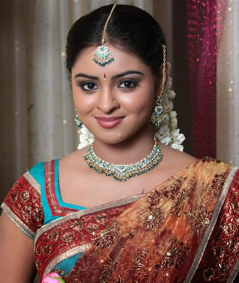 Actress in Traditional Saree - Latest Movie Updates, Movie