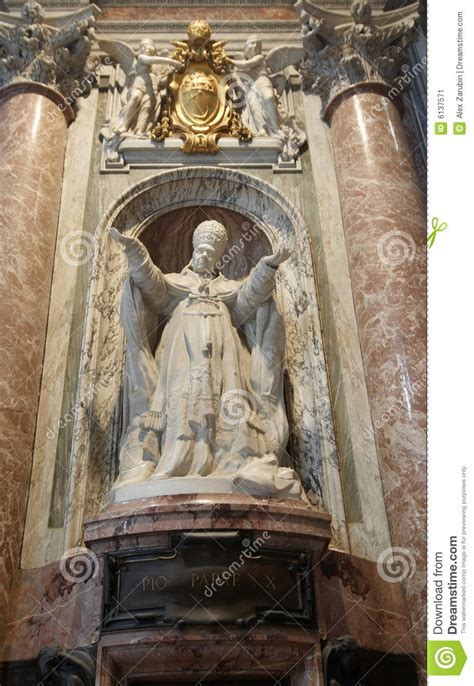 Statue Of Pope Pio X In St