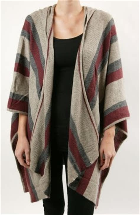 sweater pancho (With images) | Clothes, Fashion outfits
