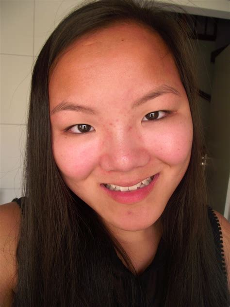 Specs and Style: Bare Minerals Foundation + Bare Minerals