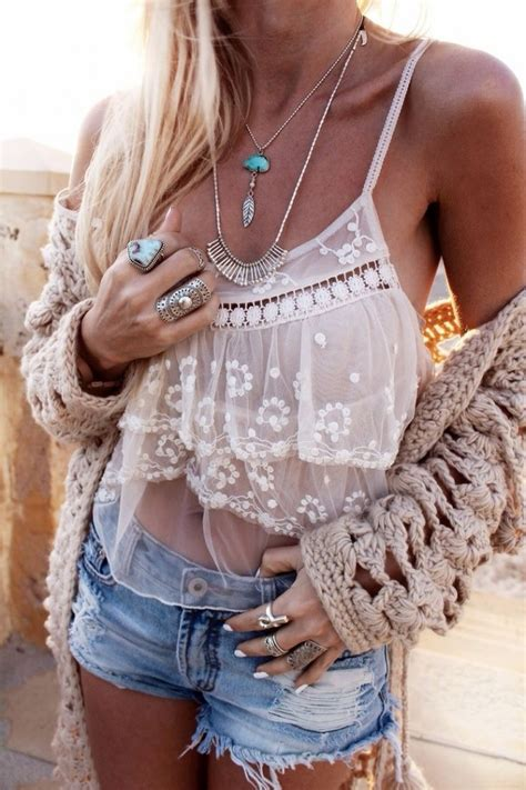 25 Boho Chic Fashion Styles to Try Out in Spring/Summer
