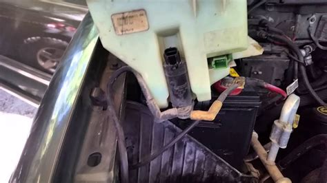 2000 Ford Expedition windshield washer leak - YouTube