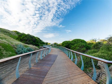 A Guide To Phillip Island: Where To Eat, Stay And Play